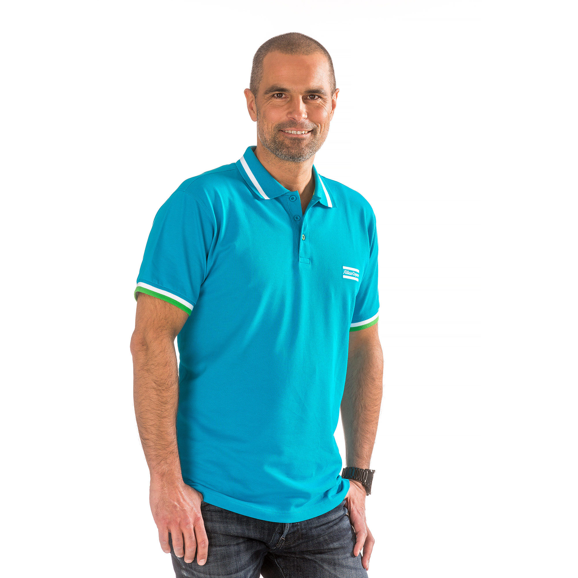 For this polo shirt we use a new quality fabric, a mix of organic cotton and Spandex. The Spandex adds comfort and flexibility. The fabric is finely stitched and has nice green contrasting to offset the blue background. This garment is GOTS certified – the world's leading processing standard for textiles made from organic fibres. GOTS covers ecological and social criteria and every part of the textile supply chain is independently certified.