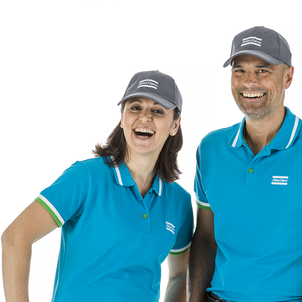 This cap obtains the best fitting possible. The fabric is made of Cotton and Spandex, which makes the cap slightly elastic. An adjustable metal buckle together with the elastic fabric makes the cap versatile. The cap has a pre-curved visor and six panels with air ventilation. Embroidered logo.
